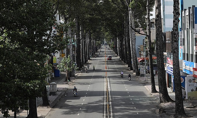 Aerial view of a desolate HCMC street amid a Covid-19 social distancing order. Photo by VnExpress