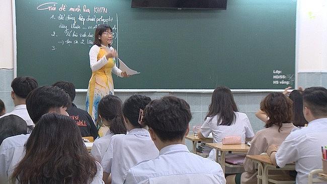 Hanoi Draws up Scenarios for Safe School Reopening