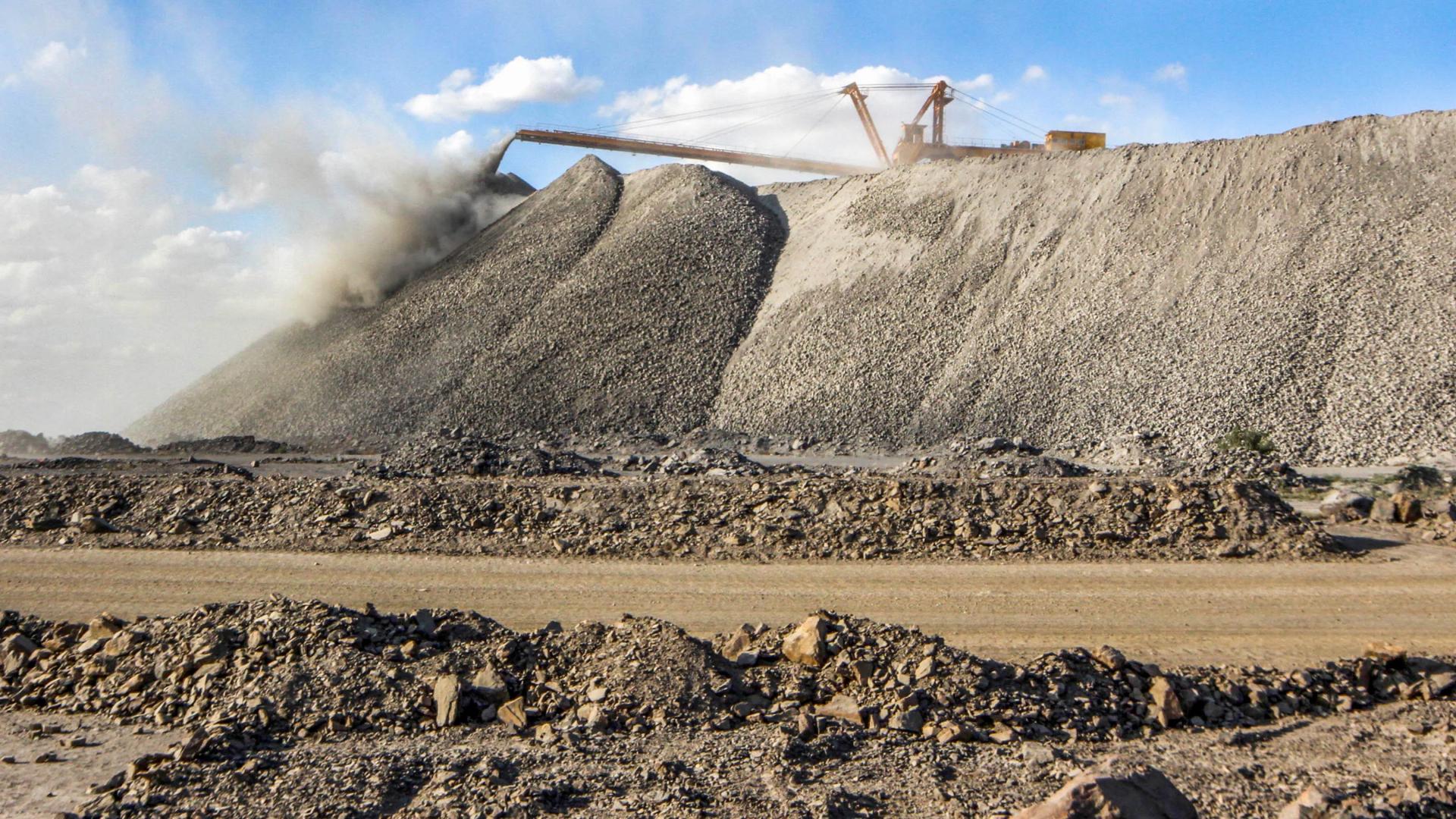 trump orders expanding rare earth mining citing china threat