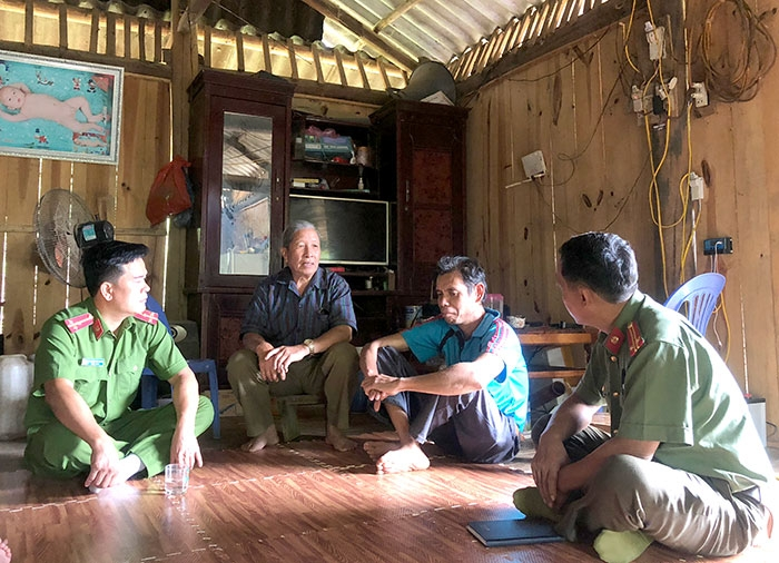 warm family model in tua chua dien bien province supporting the poor welcoming ex prisoners back to community