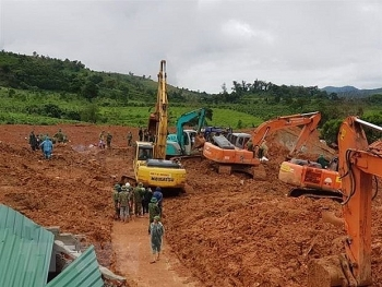 us diplomatic mission sends condolences over flood caused losses in central vietnam