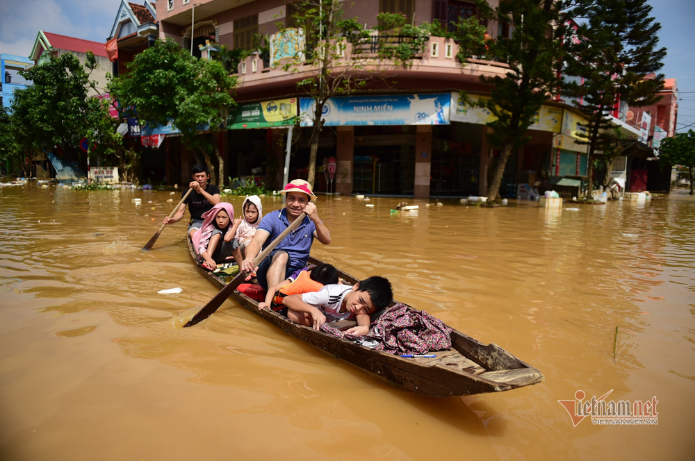 Saudel triggers downpours in central Vietnam, new storm coming