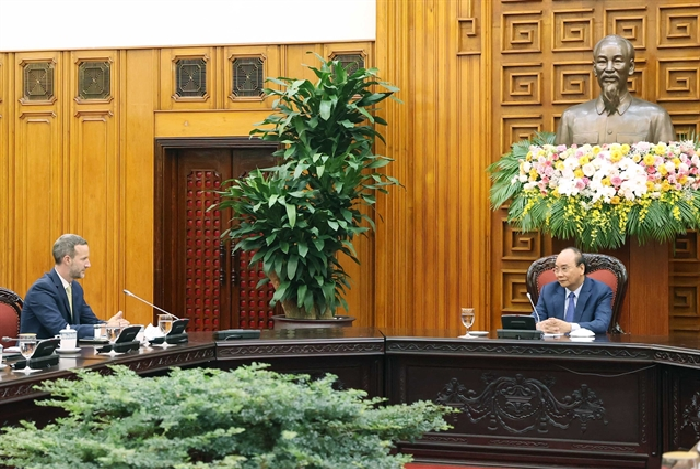 pm vietnam does not devaluate currency urging us to take objective view