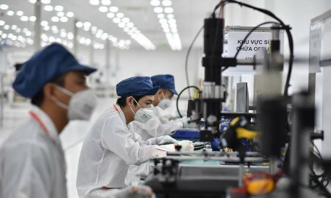 Foreign Experts: Vietnam Ranks High on Economic Performance