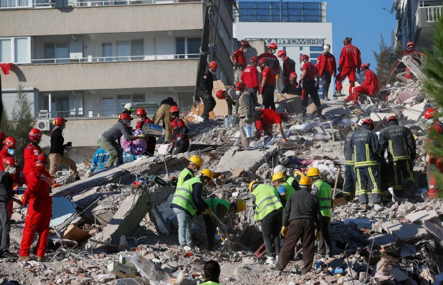death toll reaches 39 in turkey greece quake as rescuers comb through rubble
