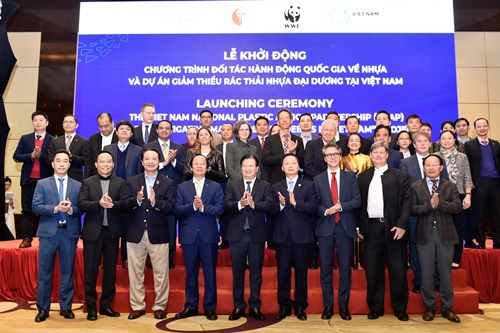 vietnam among very few countries worldwide to launch national plastic action partnership