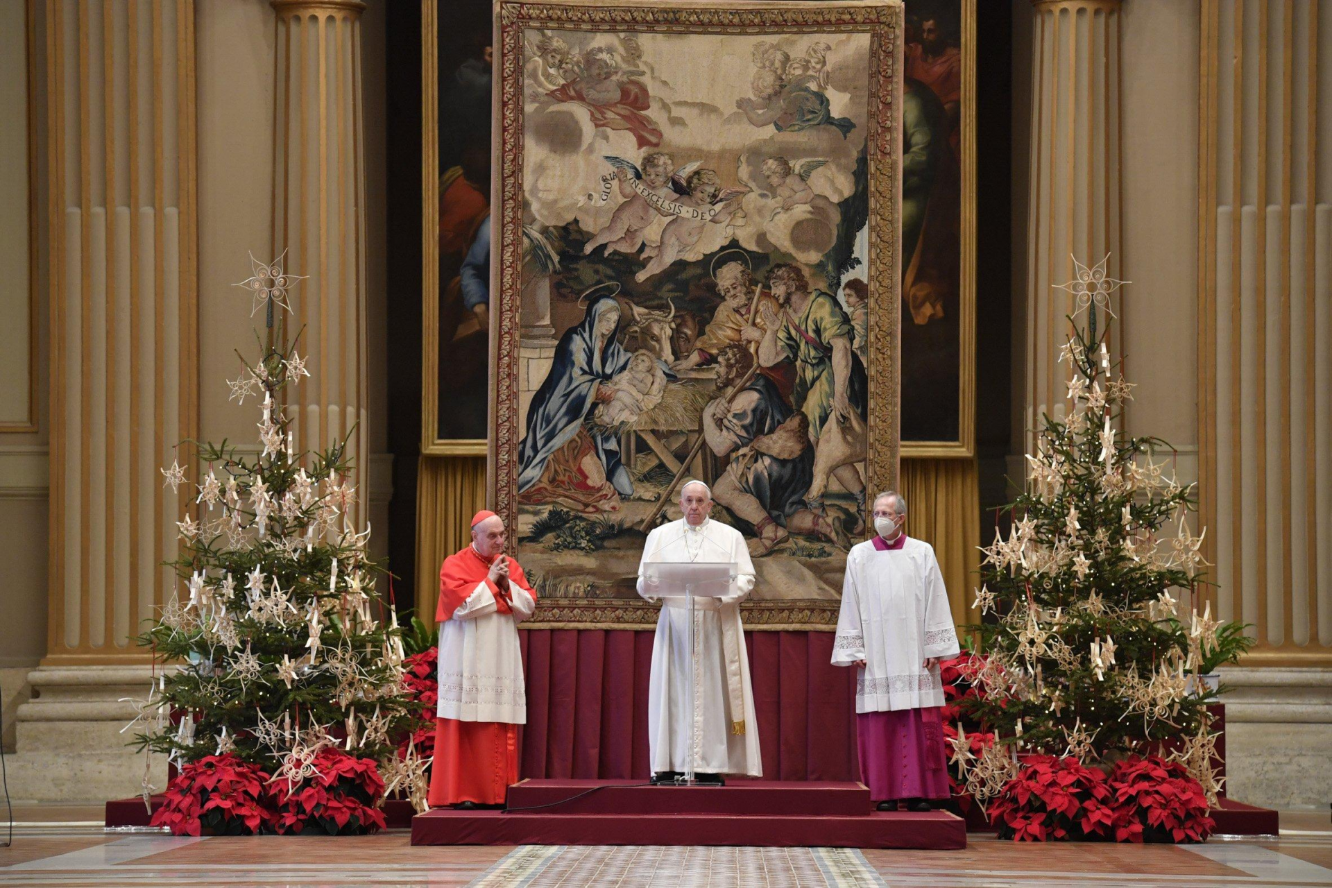 In Christmas message, Pope Francis calls for COVID-19 vaccines to be shared