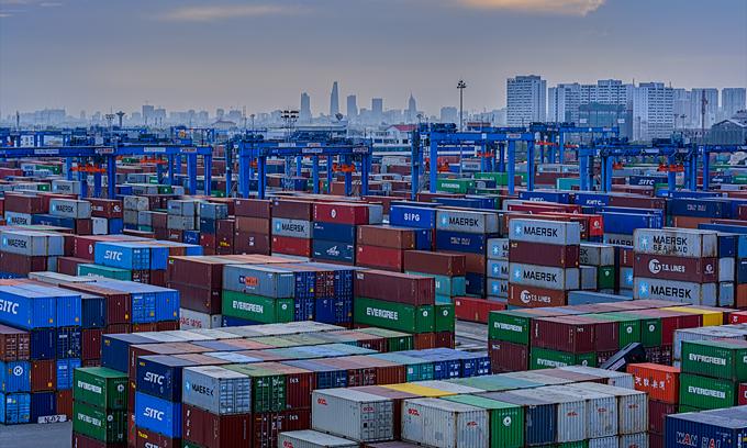 international media commends vietnams economic growth