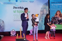the vietnamese woman who connects loving hearts to make miracle happen