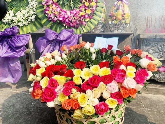 us veteran sends 504 roses to commemorate 504 civilians from son my quang ngai