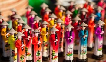 Overseas Vietnamese united in preserving national culture heritage