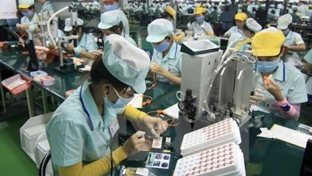Vietnam export enterprises receive support from Viettrade amid COVID-19
