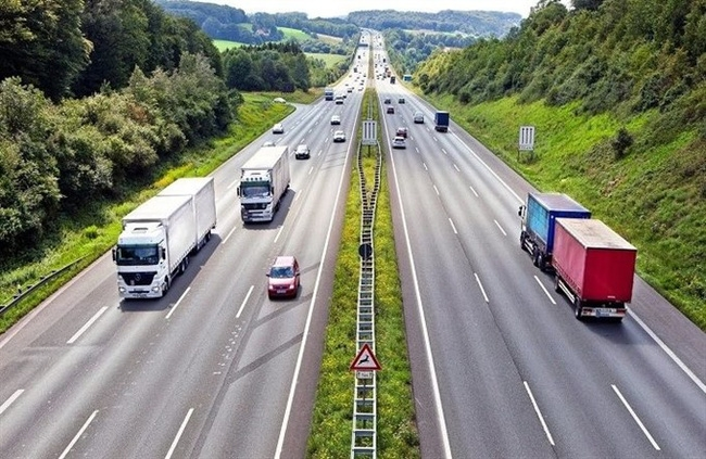 ministry of transport will put vietnam north south expressway out to bid