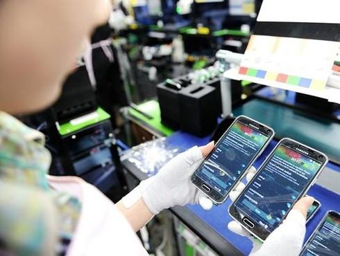 vietnams phone exports to china tripled