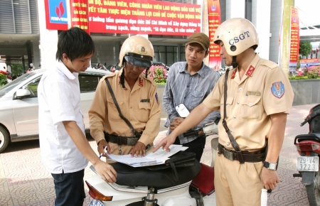 New policy in Vietnam: Traffic violated vehicles not be confiscated with guarantee money place