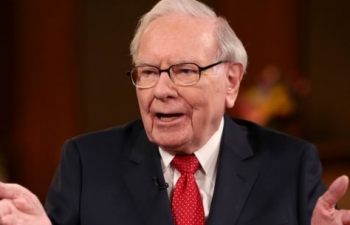 warren buffett bet on america buying stocks