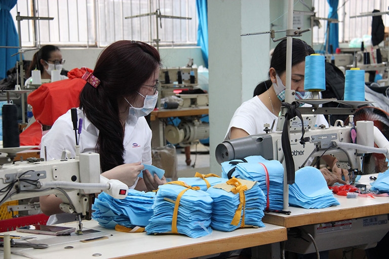 nearly 37600 new firms were established in vietnam in the first 4 months