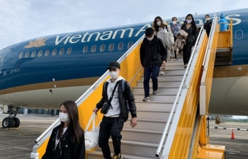 first in history a direct vietnamese carrier flight arrives in us