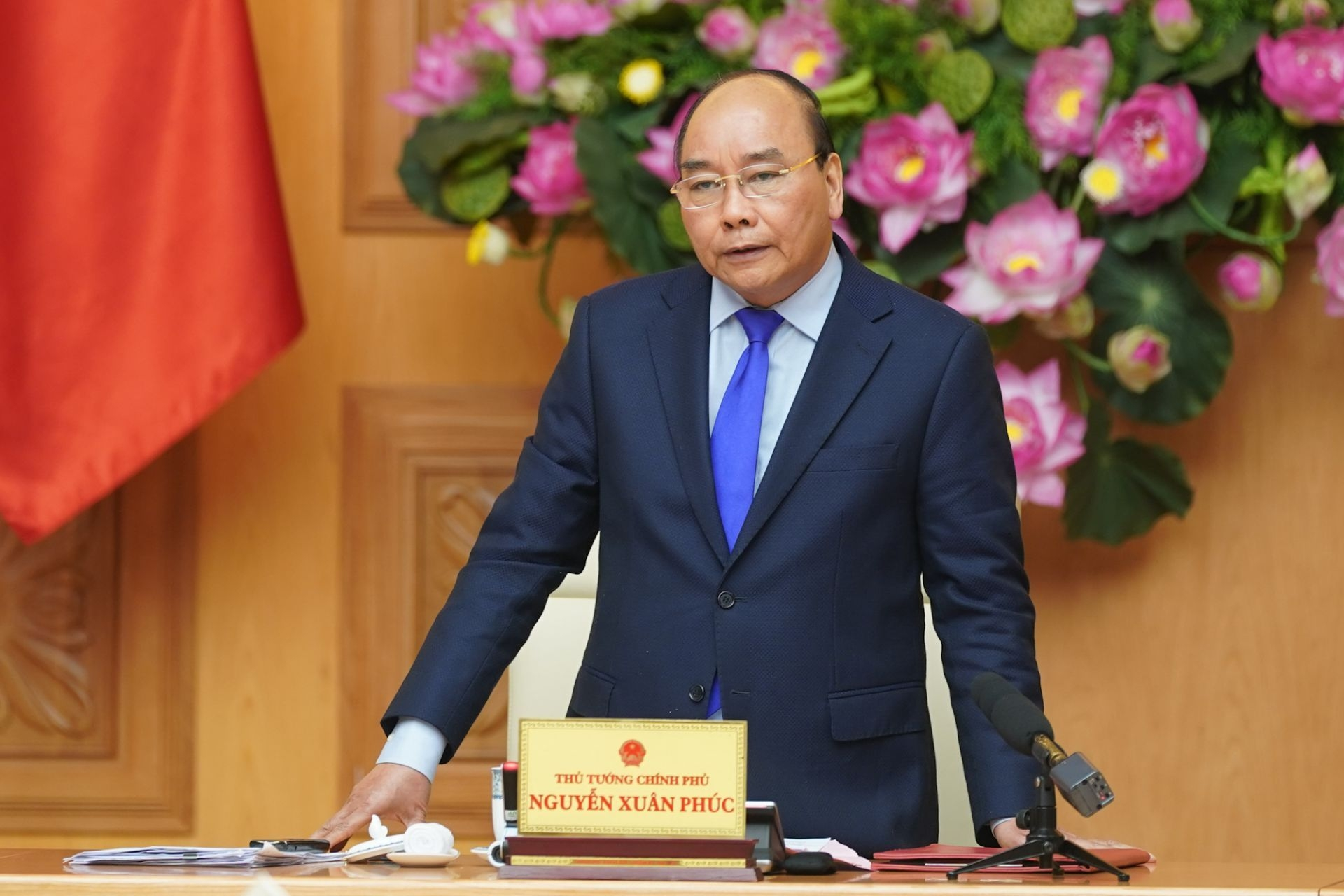 pm asks for more efforts for vietnam to achieve 5 growth rate in 2020