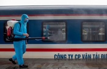 only north south train in vietnam remains in operation during covid 19 epidemic