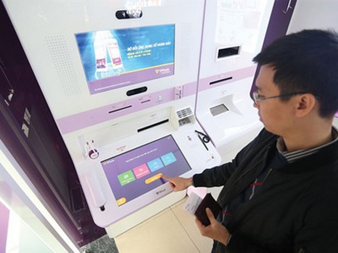 vietnamese banks accelerate to go digital