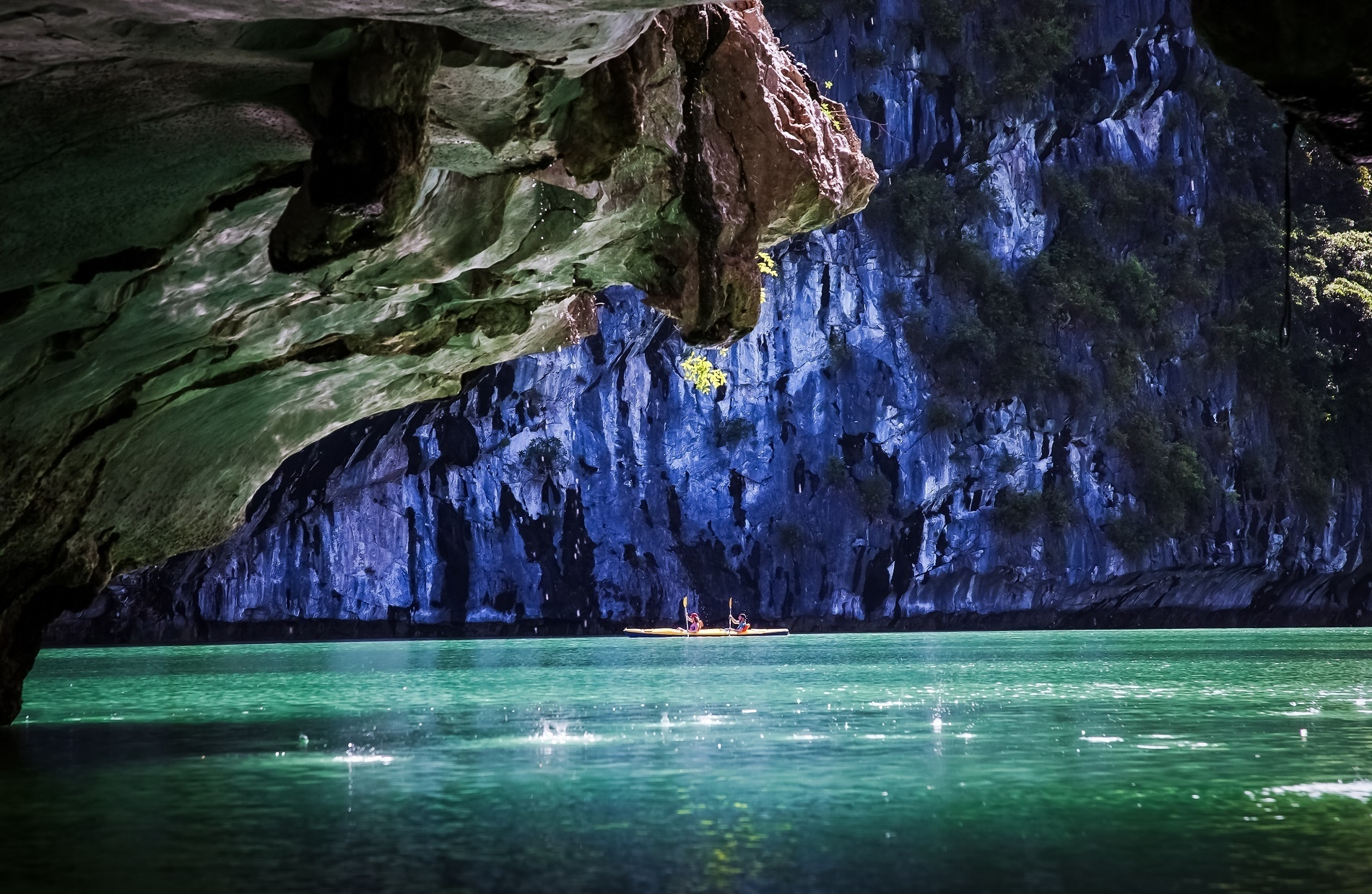 six stunning kayak hot spots worth trying in vietnam