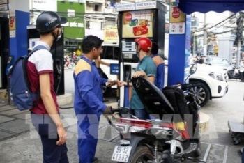 vietnam petrol prices continue to rise sharply