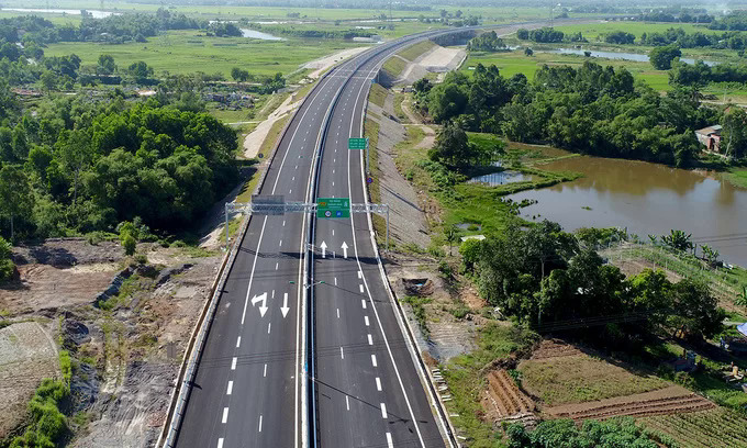 vietnam parliament approves the use of state budget for north south expressway sections