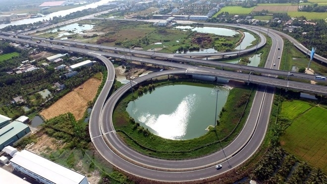 Vietnam parliament approves the use of state budget for North-South expressway sections