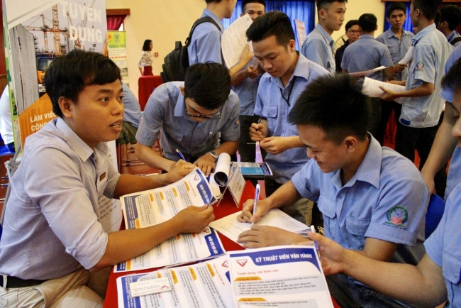Approximately 540,000 jobs created in Vietnam during the first 6 months