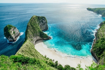 world destinations reopen for tourists as covid 19 measures are relaxed