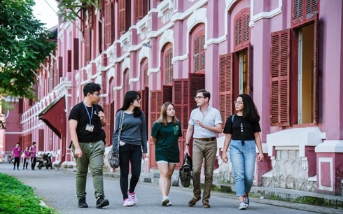 usaid grants nearly us 5 million to fulbright university vietnam