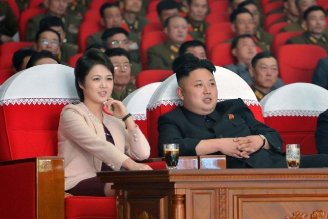 """Kim Jong Un infuriated by """"soiled"""" images of his wife in South Korean leaflets"""