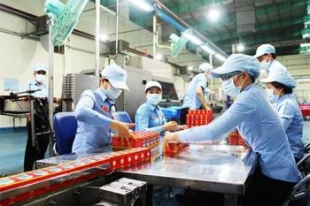 vietnams industrial production slightly rebounding