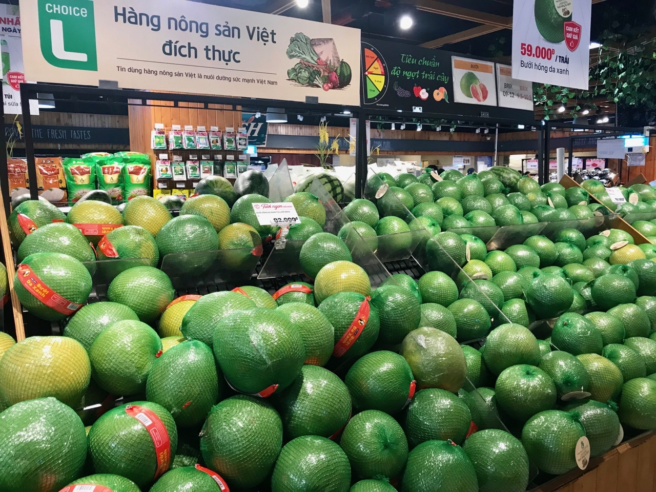 vietnams fruit exports surge in the first 6 months despite coronavirus