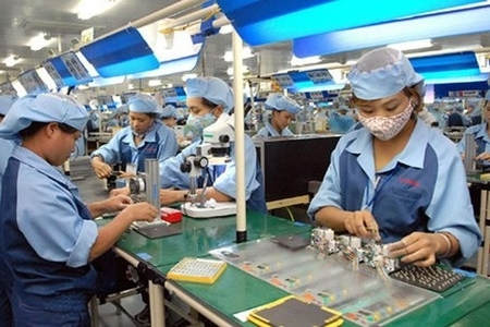 Vietnam should gradually reopen to other economies post-Covid-19