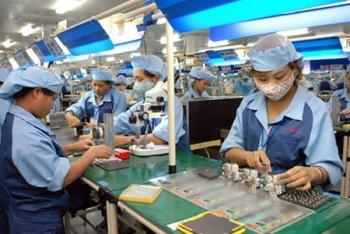 vietnam should gradually reopen to other economies post covid 19