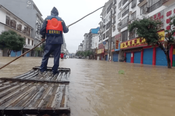 China battles with some of the worst flood in decades