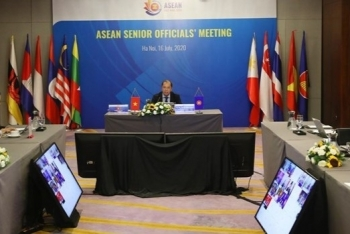 building the asean community successfully becomes a top priority