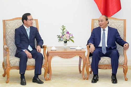 pm strongly commits to aid samsung vietnam