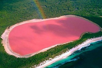 50000 year old lake in india suddenly turned pink and scientists cant explain why