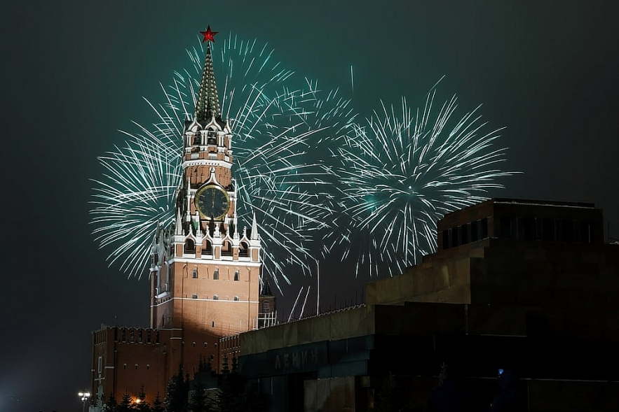 In photos: New Year's Eve around the world with pandemic controlling muting celebrations