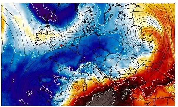 UK and Europe weather forecast latest, January 4: Heavy rain, cold air to batter with snow and wintry conditions throughout Europe