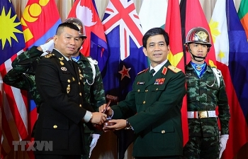 a vietnamese officer is a lecturer at the australian peacekeeping training center