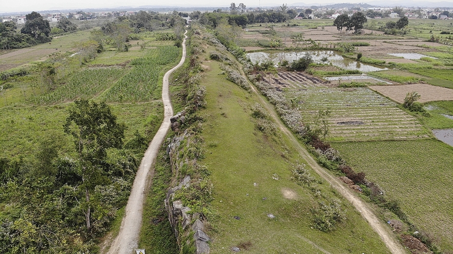 Ancient world heritage citadel of Vietnam damaged by natural disasters