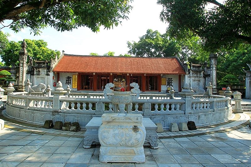 Exploring Hai Ba Trung Temple   a special national historical relic in Hanoi