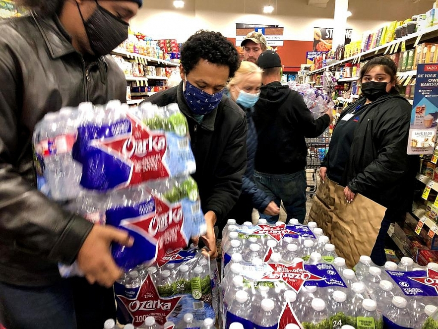 Vietnamese in Texas struggle for power or water in freezing temperatures