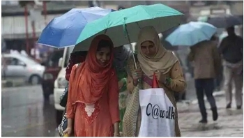 india daily weather forecast latest february 24 wet spell to continue and rains lash parts of kashmir