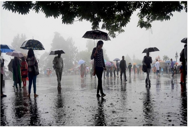 India daily weather forecast latest, March 17: Scattered rain expected over North West and Central India