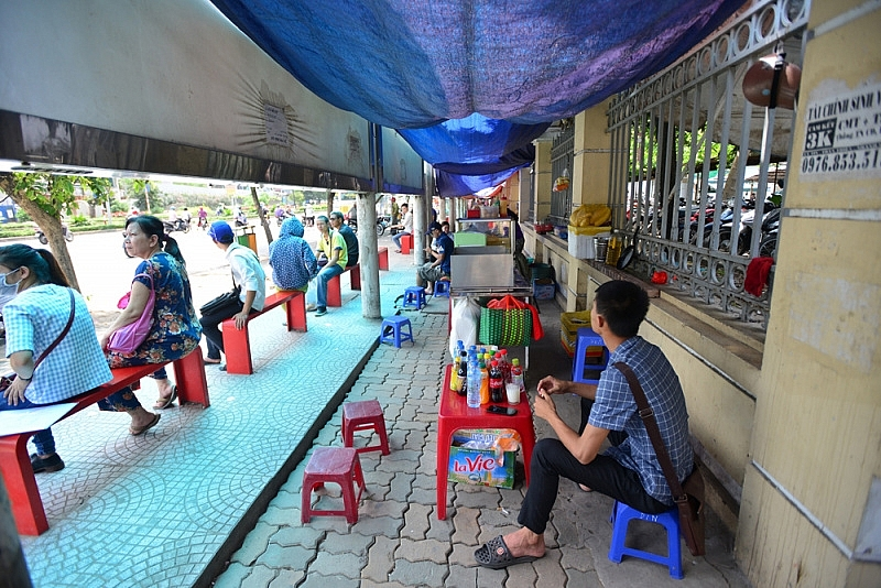 vietnamese people strunggling with record scorching